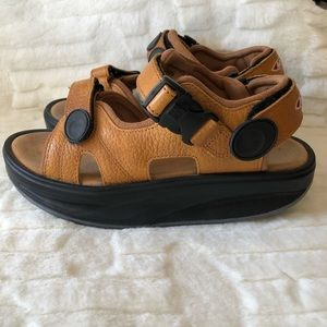 MBT Physiological Footwear Brown Samdals Size 8